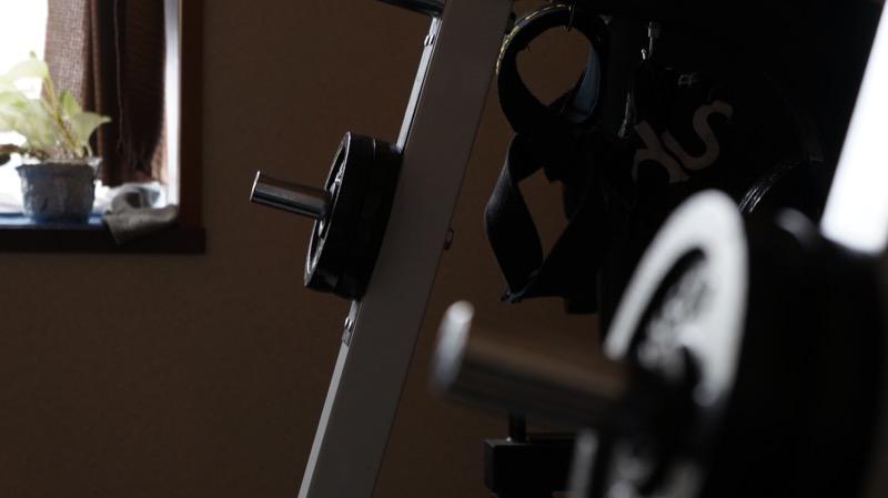 SEL1855_55mmでラックを撮影